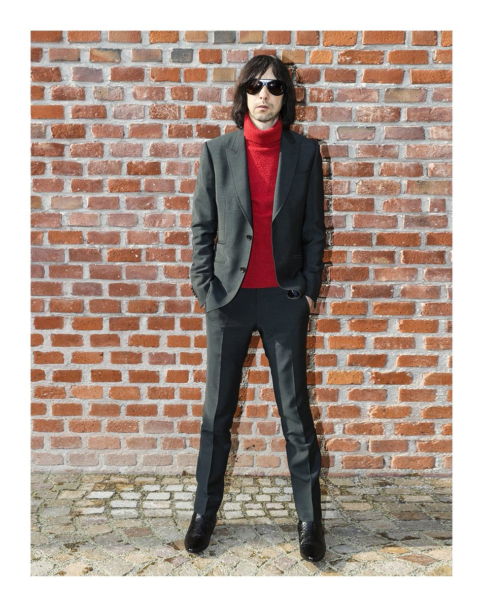 96f85e1d848 BobbyGillespie at the  GucciFW17 fashion show in a bottle green two button  Heritage suit with a red turtleneck.pic.twitter.com G408ARBdio