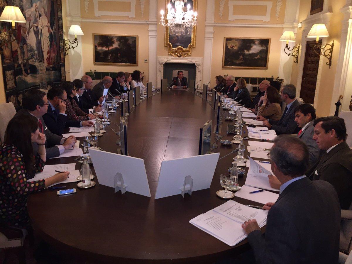 Empieza la Junta Directiva de la @AFA_Fundaciones #ilusión <br>http://pic.twitter.com/kHW4vuGrIe