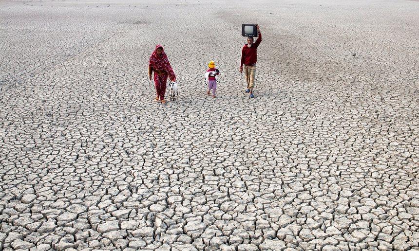 Rapport de FAO confirme que le #changementclimatique menace la sécurité alimentaire mondiale  http:// bit.ly/2motJlF  &nbsp;    #actionclimat #climat <br>http://pic.twitter.com/XeLWAKzEZk