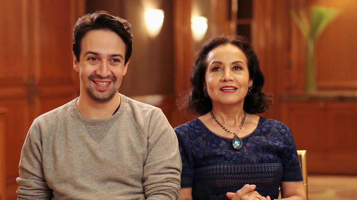 Today, don't miss @stacylondon help @Lin_Manuel's mom pick out a dress for #Oscars2017 ! Showtimes: https://t.co/YyMimI6AHu