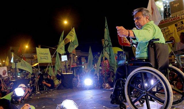 Outgoing president @MashiRafael mortgaged #Ecuador&#39;s future through to oil-backed #China loans, writes @kevinmkoenig  http:// dialogochino.net/chinas-amazon- footprint-gets-scant-attention-in-ecuadors-election/ &nbsp; … <br>http://pic.twitter.com/vEiOxBJNtB