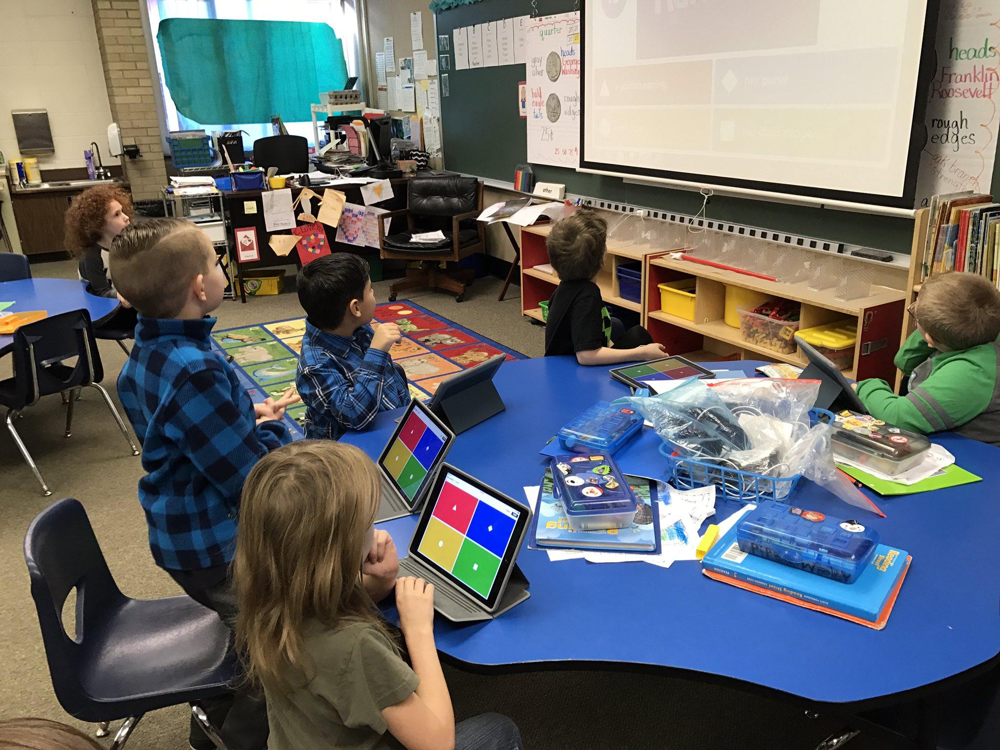 1st graders using Kahoot in reading for comprehension #DLDAY #JCSC #northvernonelementary https://t.co/1N80aJyL4v