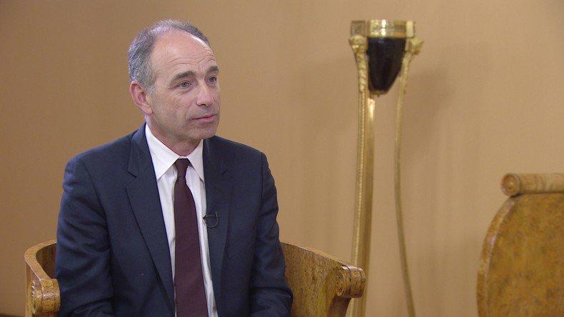 A #Moscou, @jf_cope réaffirme son soutien à @FrancoisFillon et l&#39;impératif de liens constructifs avec la #Russie  https:// francais.rt.com/entretiens/344 23-moscou-cope-reaffirme-soutien-fillon-liens-constructifs-russie &nbsp; … <br>http://pic.twitter.com/DQxA1MWQrK