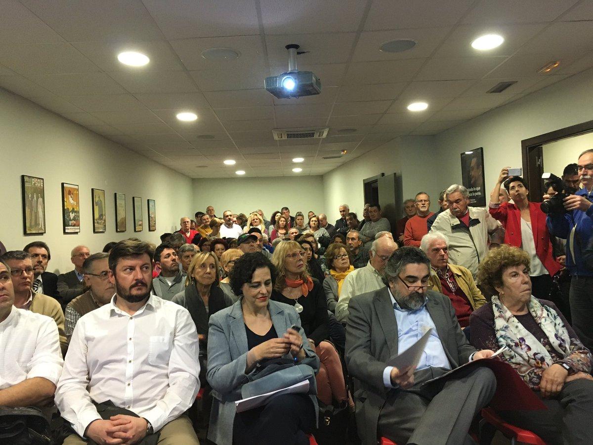 Explicando y debatiendo en la Casa del Pueblo #AlcalaDeHenares el Proyecto colectivo d la candidatura de @sanchezcastejon #SomosSocialistas<br>http://pic.twitter.com/yO8zgQ0K5d