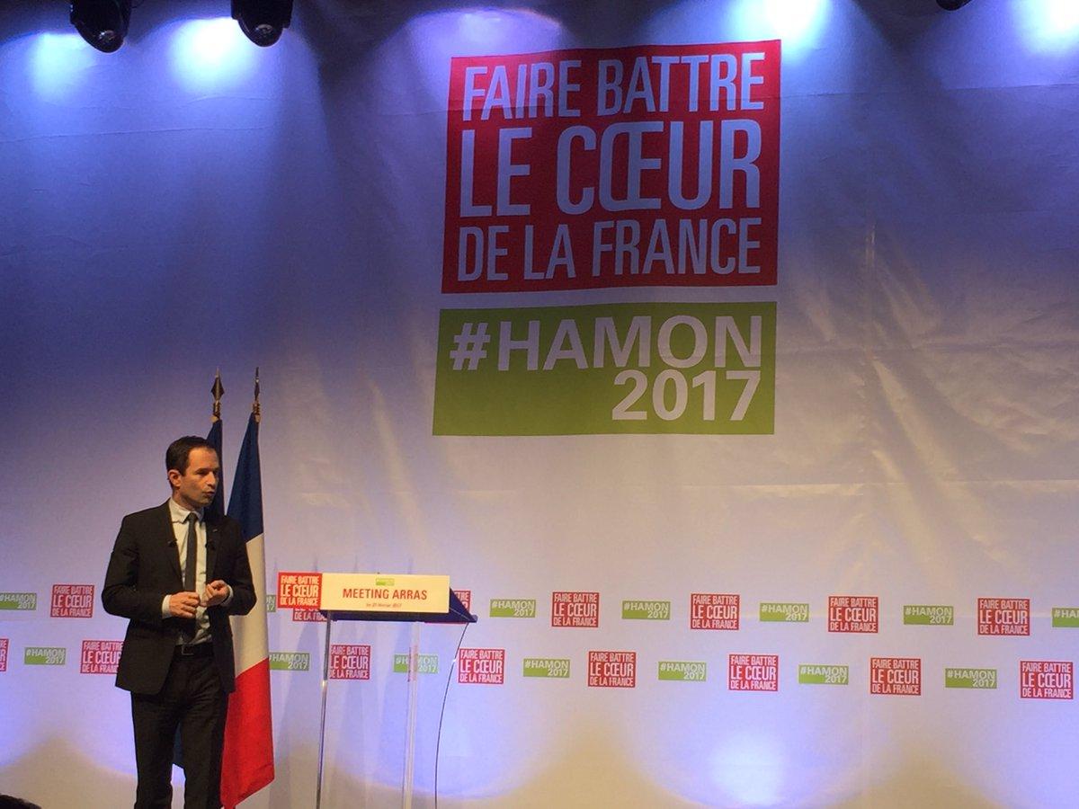 Heureux d&#39;être là , au meeting de @benoithamon à #Arras et d&#39;apprendre que @yjadot participe au rassemblement de la #gauche ! #Hamon2017<br>http://pic.twitter.com/pHt5lP7sMn