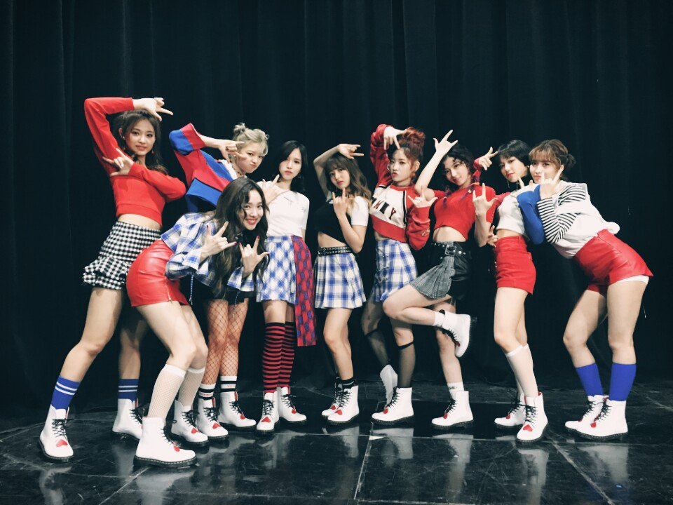 Our name is TWICE. ONCE! Roll out! #TWICE #트와이스 #KNOCKKNOCK