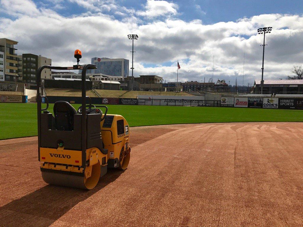 Love a good skin roll..prepping for another great wknd series w @UAB_Baseball #corkboard <br>http://pic.twitter.com/Wcb3eTU03K