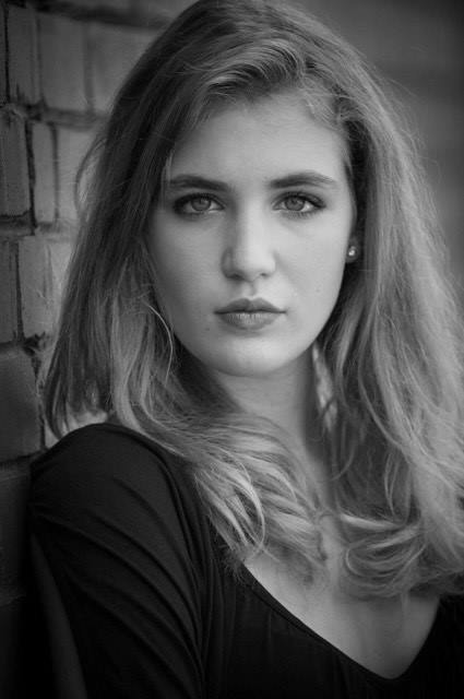 sophie nelisse 5 by - photo #12