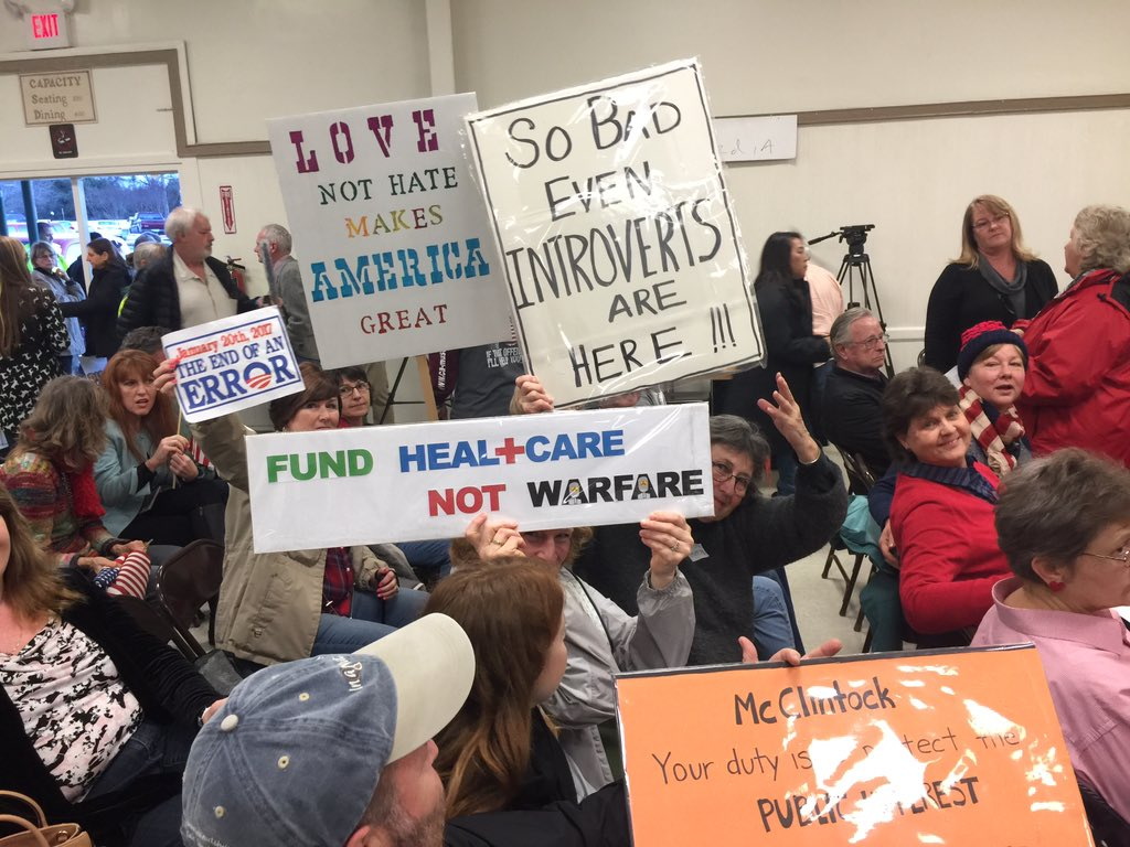 @DouxDux @IndivisibleTeam deep red Mariposa CA - place was packed! #resistancerecess https://t.co/0SmZUa75y2