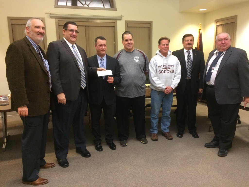 Pottsgrove Soccer Association donates $2,500 toward purchase of a new mower. Another $2,500 coming next year. https://t.co/mIX6geJmQZ