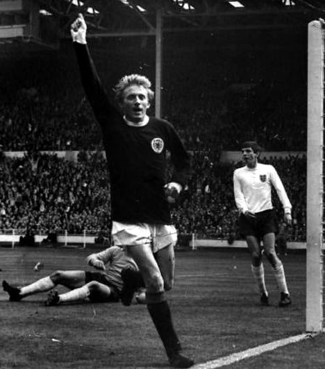 Happy birthday to the onliest Denis Law, Aberdeen\s greatest footballer, who turns 77 today!