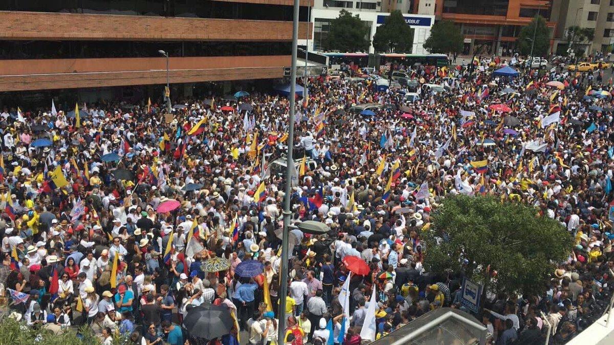 Why Ecuadorians Don't Trust the Election Results:  http:// antiguai.com/2017/02/ecuado r-fights-runoff/ &nbsp; …  By @RebecaMorla &amp; @PazenLibertad #EcuadorVoto2017 #Ecuador <br>http://pic.twitter.com/35v20zaCMh
