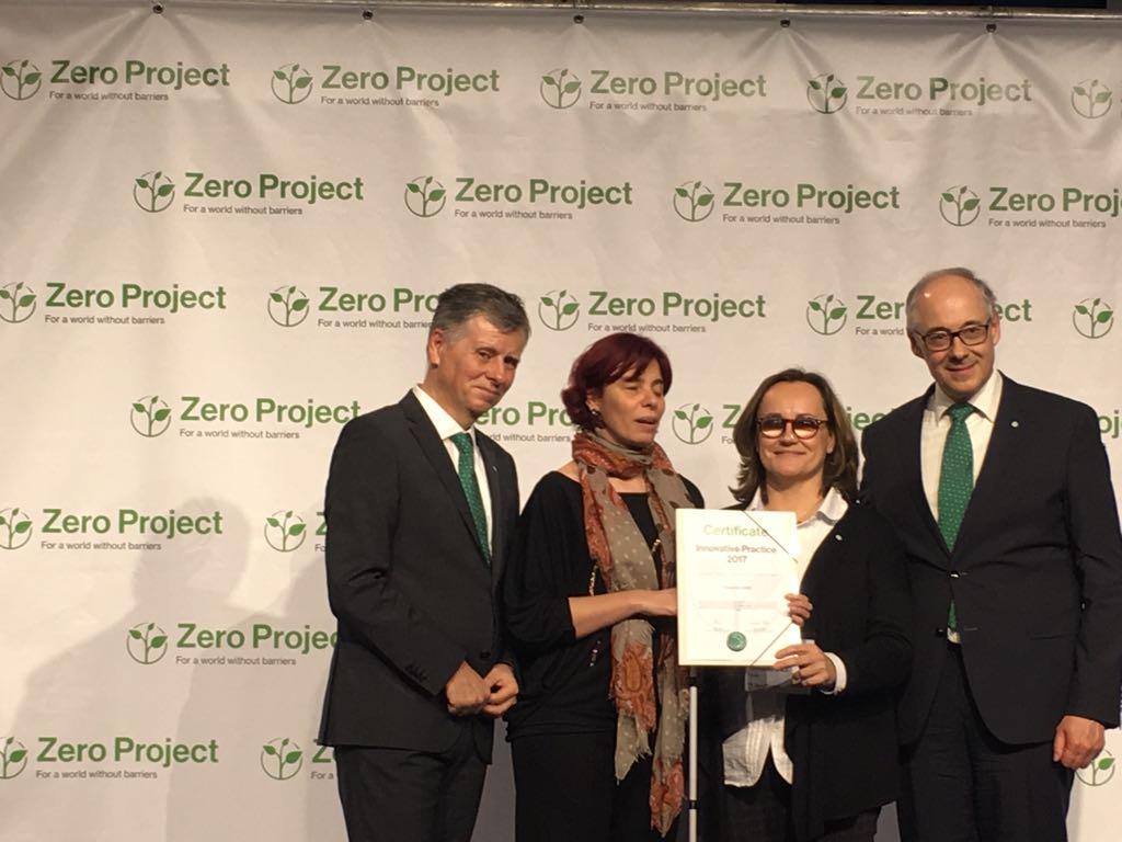 Premiados en #Viena Certificate Innovative Practice 2017 por @ZeroProjectorg.Recogen premio @vcarcedo @sabinalobato #empleo #discapacidad<br>http://pic.twitter.com/Db3xqZr9hp