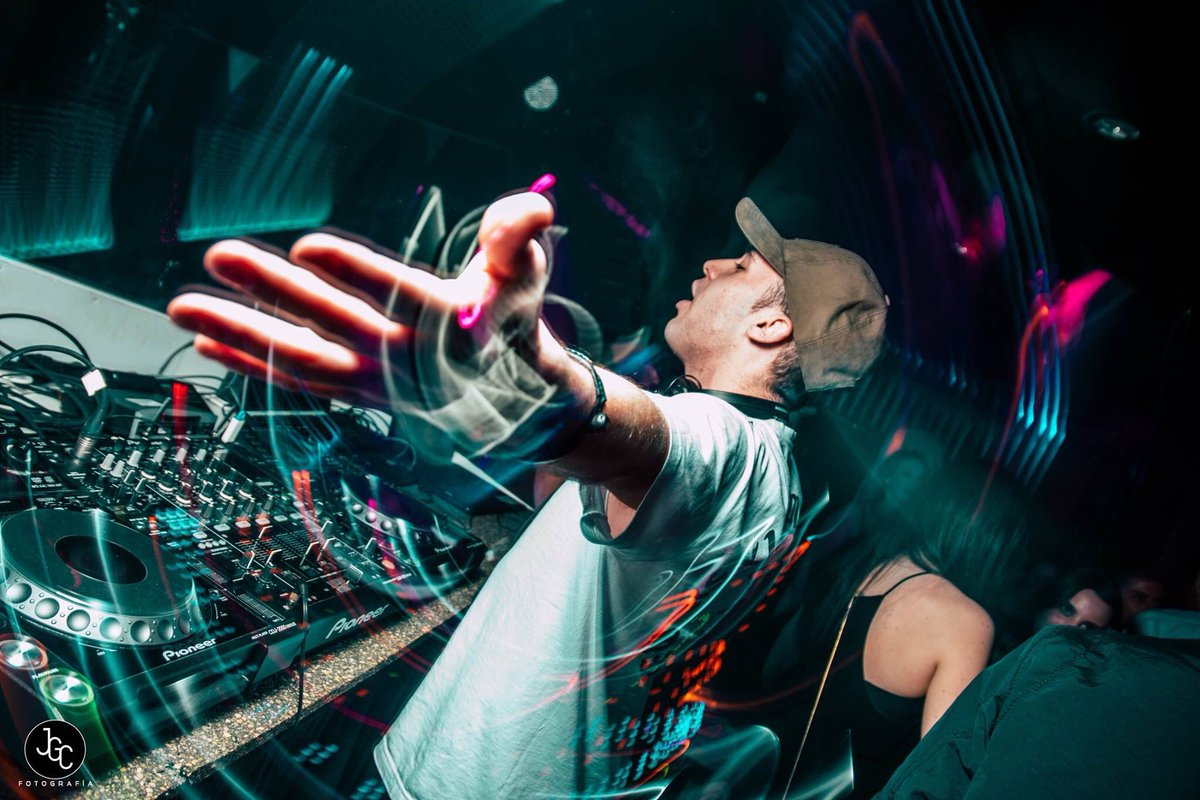 ¡Put your hands up for this weekend! @committeevalencia #Xàbia #Pego are you ready? : @joaangilabert<br>http://pic.twitter.com/bKulI7Dvya