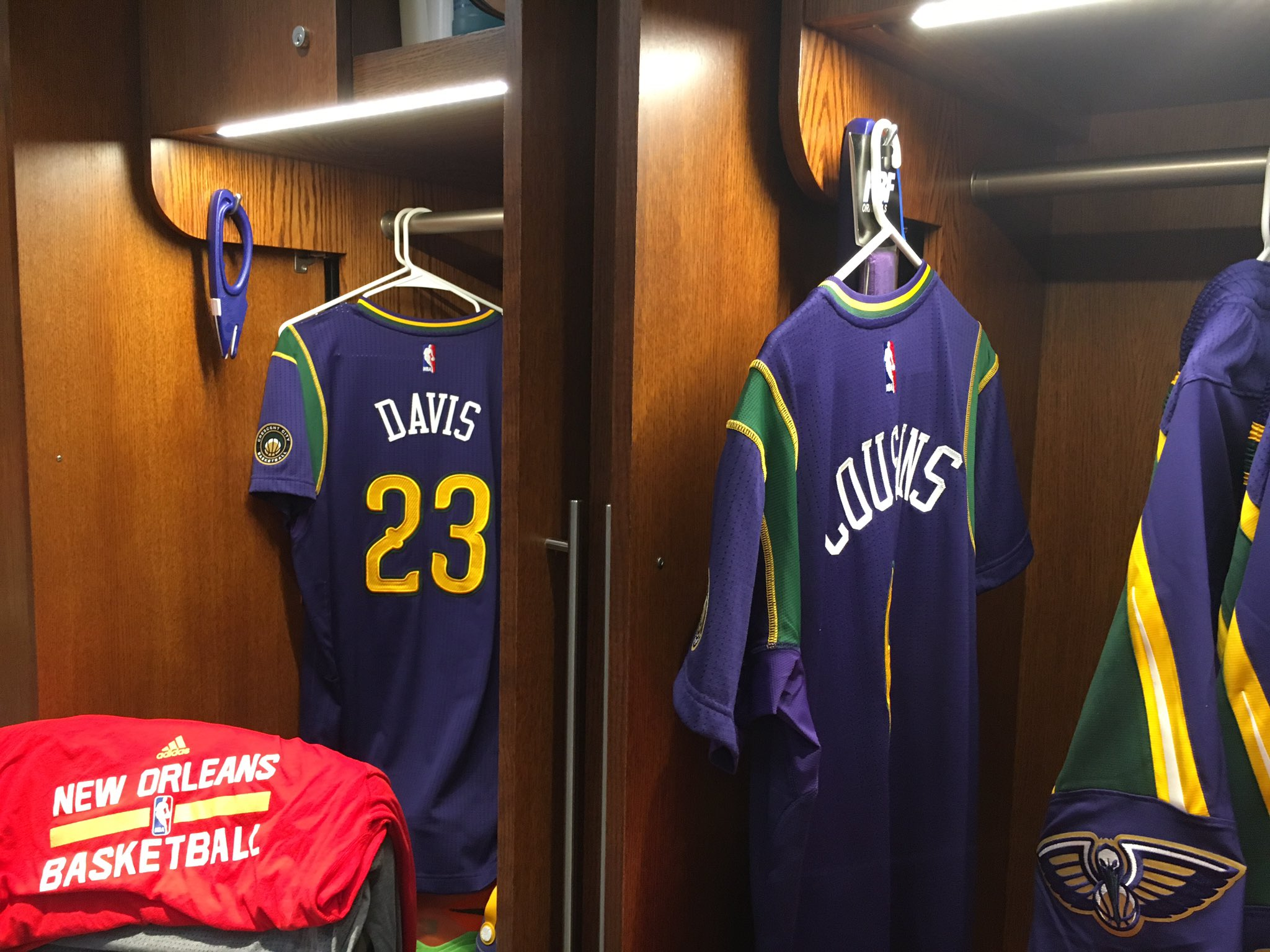 New Orleans Pelicans On Twitter Mardi Gras Madness Night