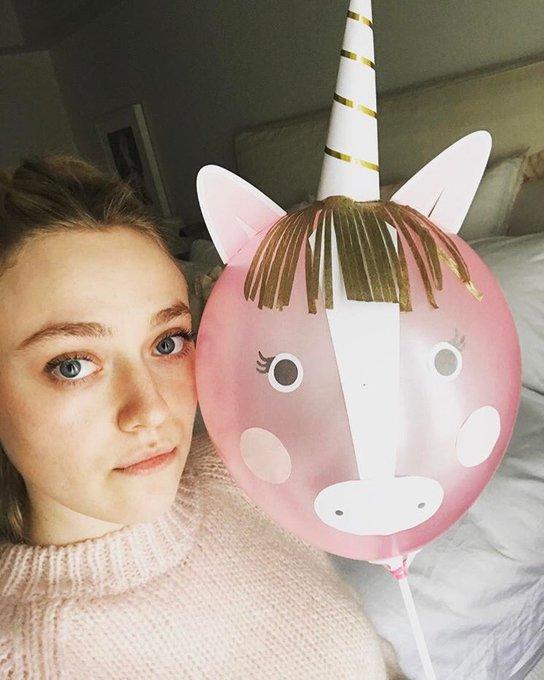 Happy birthday to my favorite actress Dakota Fanning