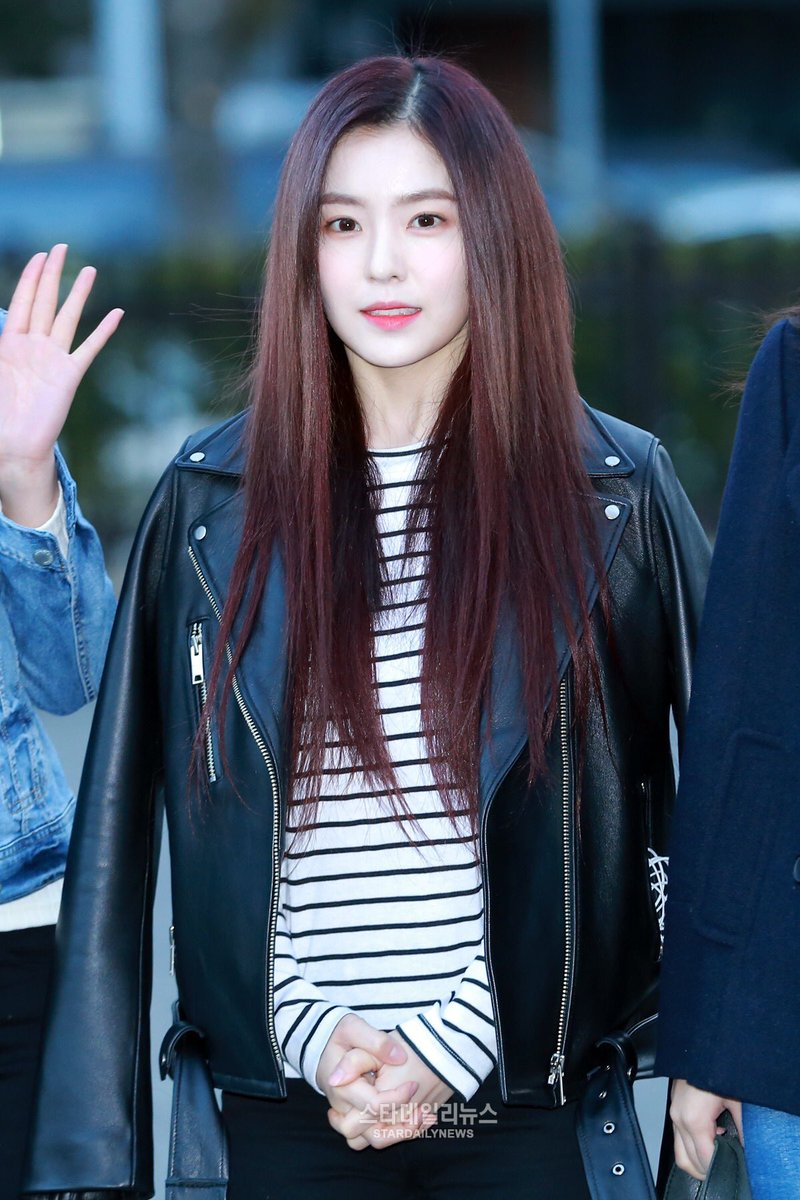 5redvelvet On Twitter Press 170224 Red Velvet On Their Way To Kbs Music Bank Irene 2