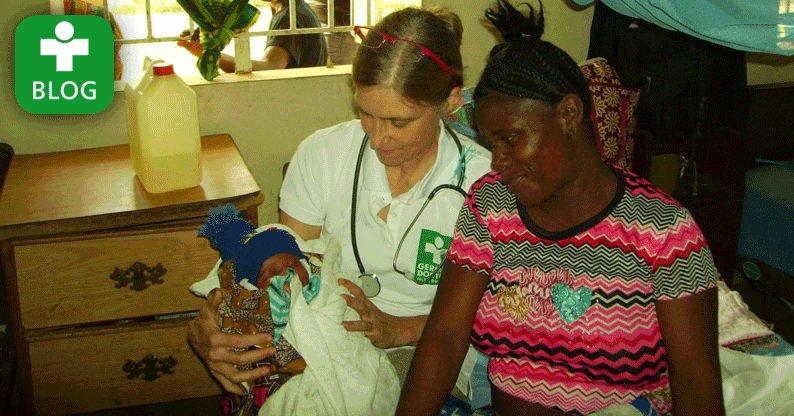 """""""Geburtsstillstand bei einer 19-jährigen Patientin."""" Blog aus Sierra Leone von @germandoctors-Ärztin Monika Euler: https://t.co/PLxiKzZQ2r https://t.co/xKQGlyzqJD"""