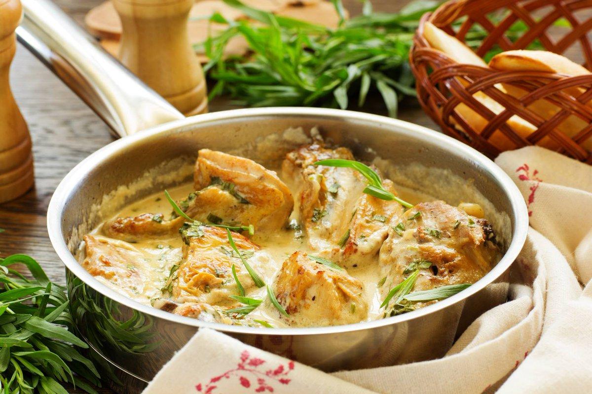Poulet à l&#39;estragon  http://www. cuisine-et-mets.com/volailles-et-g ibiers/viande-de-poulet-chapon-coq-poule/poulet-estragon.html &nbsp; …  A servir avec riz ou pâte #recette #cuisine #poulet<br>http://pic.twitter.com/Szvz3ccqC4