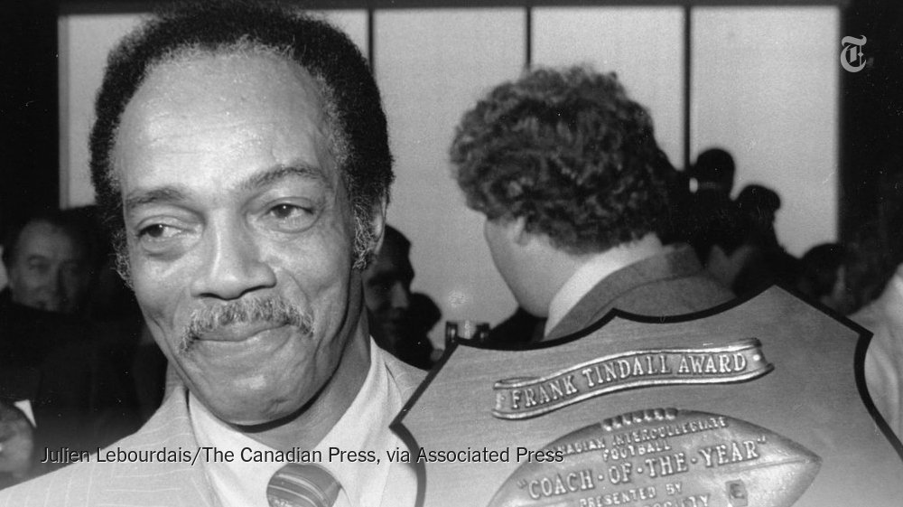 Bernie Custis, believed to have been first black quarterback in pro football, dies at 88. https://t.co/nweHm8KM2A https://t.co/2ycWLekSbP