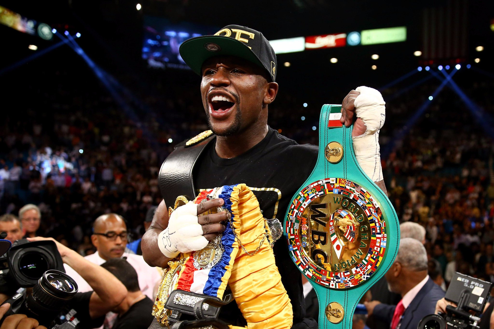Happy Birthday to Floyd Mayweather Jr., who turns 40 today!
