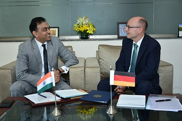 German Embassy India On Twitter Germany India Sign Agreement On