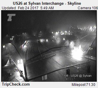 Hard to tell from this picture, but there are some flakes falling on US 26 Sylvan Interchange. @KOINNews #koin6news #portland #pdxsnow <br>http://pic.twitter.com/WvQCUETeRW