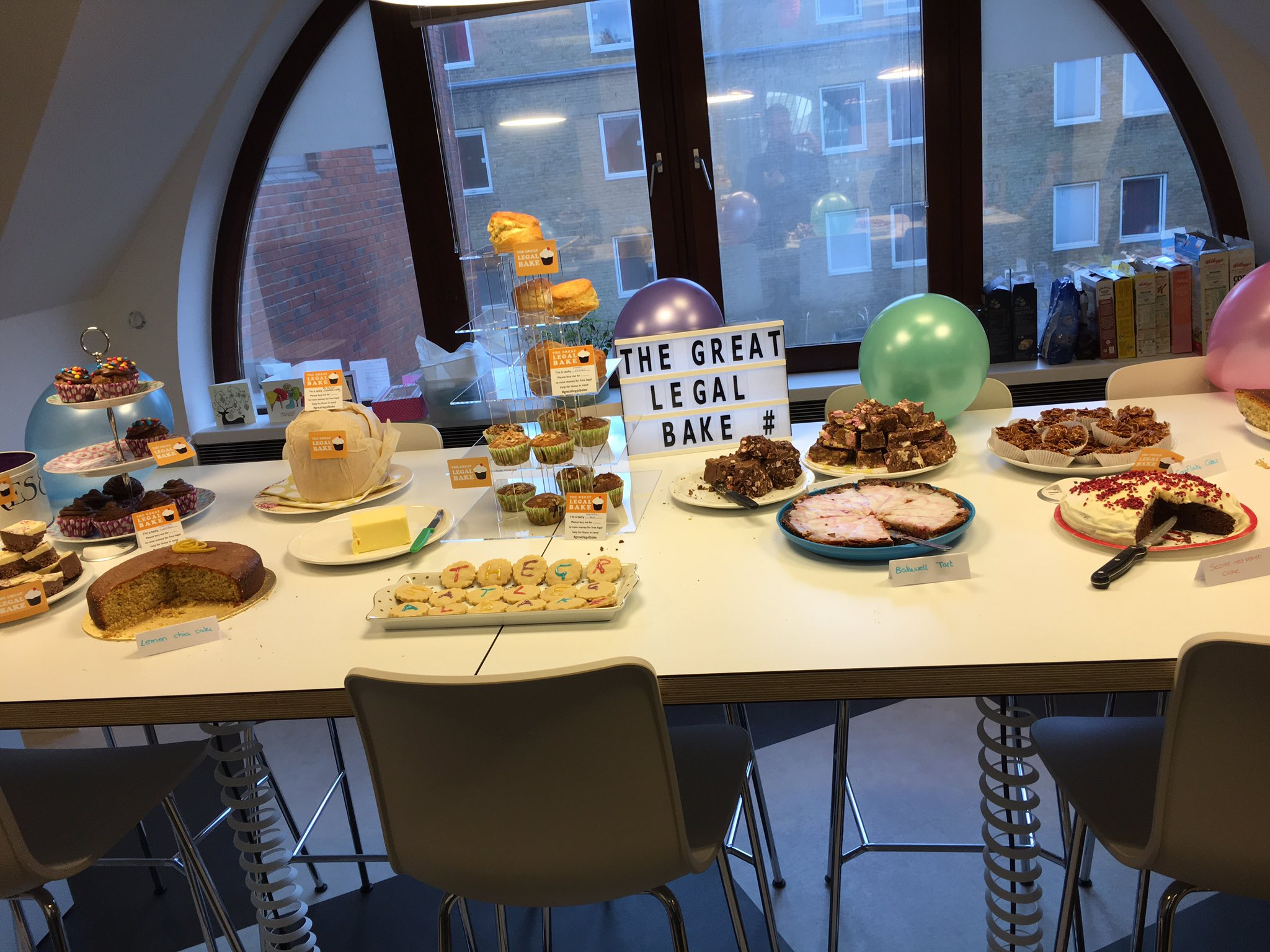 Incredible effort by our brilliant regulatory team @kingsleynapley in aid of #GreatLegalBake what a spread! https://t.co/DgsSzjkdmc
