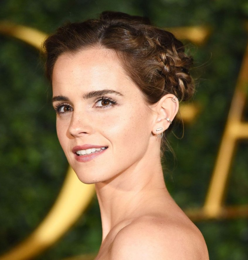 As she sports a princess-like up-do in London, see Emma Watson's hair history here - https://t.co/YfN9nTsT33 https://t.co/AMm51QMtPI