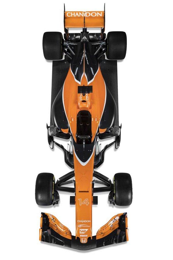 Más imágenes del @McLarenF1 #MCL32 https://t.co/SwDdl7xkEn #F1 https://t.co/hKTTPL3GvL