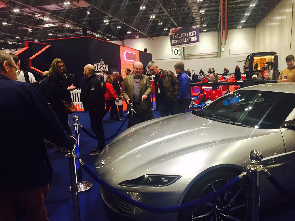 The  @007  James Bond  @astonmartin  DB10 is proving to be quite a hit here's  @ClassicCarLDN  #lccs2017