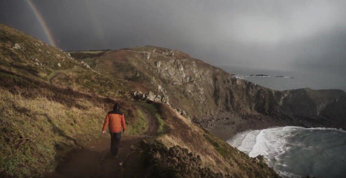 La #Manche, cette presqu'île au caractère unique en toute saison. #Hiver cette magnifique [vidéo] :  https:// youtu.be/rVwOlCuPTZk  &nbsp;   @MancheTourisme <br>http://pic.twitter.com/bv3NVSYfsa