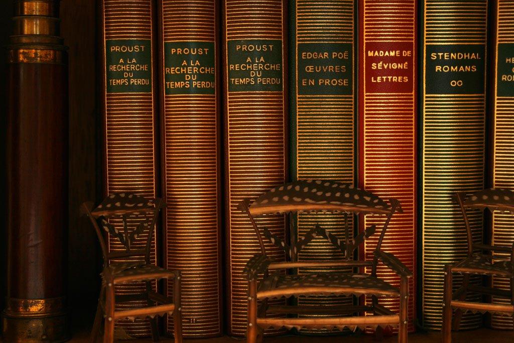 #gallimard Découvrez l&#39;histoire méconnue de la pourtant célèbre Bibliothèque de la Pléiade  https://www. franceculture.fr/litterature/pe ut-etre-vire-de-la-pleiade-et-autres-histoires-sur-une-collection-mythique &nbsp; …   via @franceculture #fb <br>http://pic.twitter.com/BO3nniqYYq