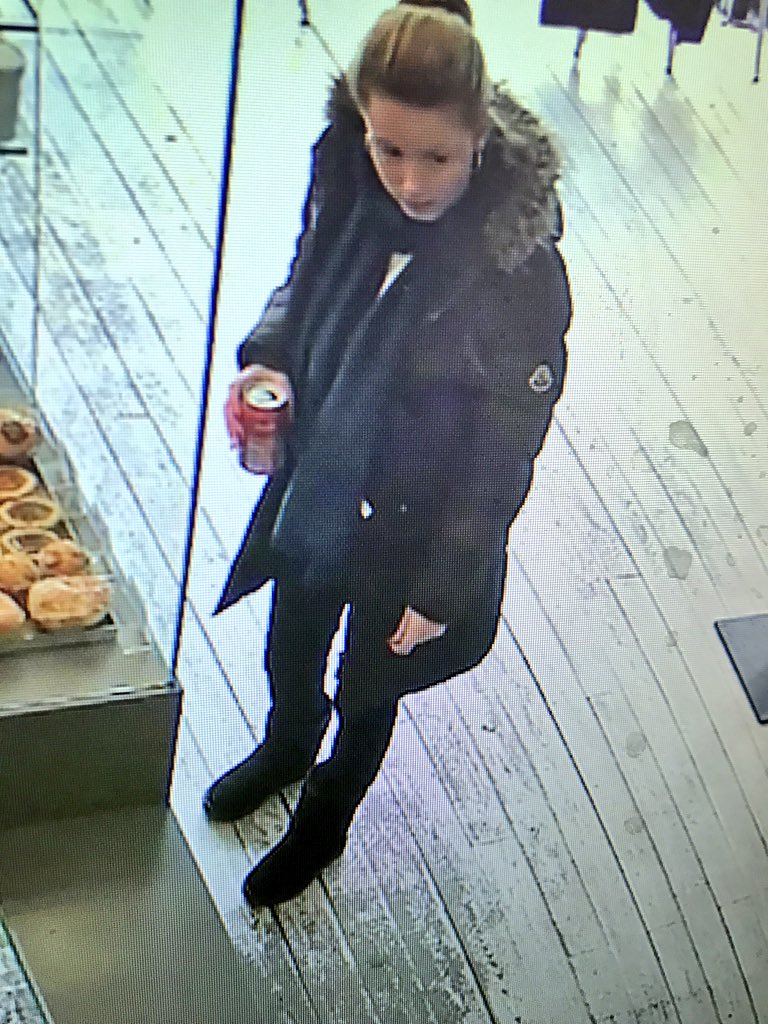 So this lovely character stole one of our olive trees at lunch today #leeds https://t.co/7zXatq3mo3