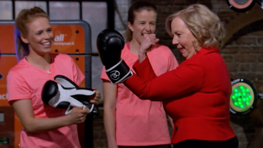 3 hours to go until a BRAND NEW episode of #dragonsden @DeborahMeaden...
