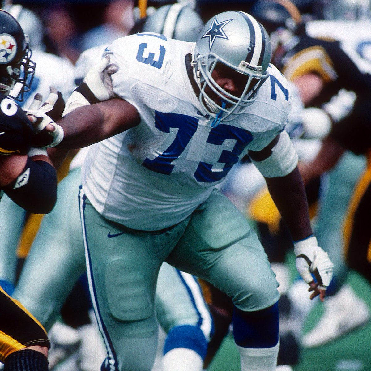 Best #Cowboys Player of All-Time  Round of 64  Retweet for Larry Allen Like for Walt Garrison   #CowboysNation<br>http://pic.twitter.com/21z00hwArp