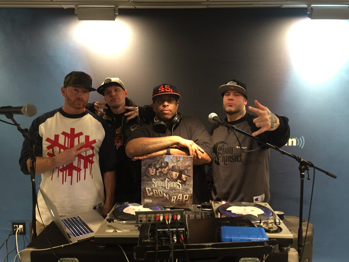 Playlist for @REALDJPREMIER #LFHQ show 2/17/17 https://t.co/vg3c0pnrlI w/ @Snowgoons #premierwuzhere @hiphopnation https://t.co/yViM2LxLAI