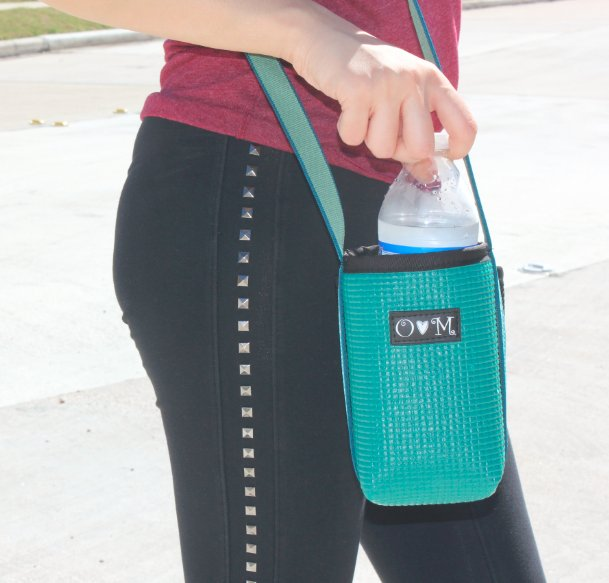 Need some #H2O on the go? Check out our #handmade #waterbottle bags in a variety of colors:  http:// bit.ly/2m407ed  &nbsp;  <br>http://pic.twitter.com/aclvPyzxap