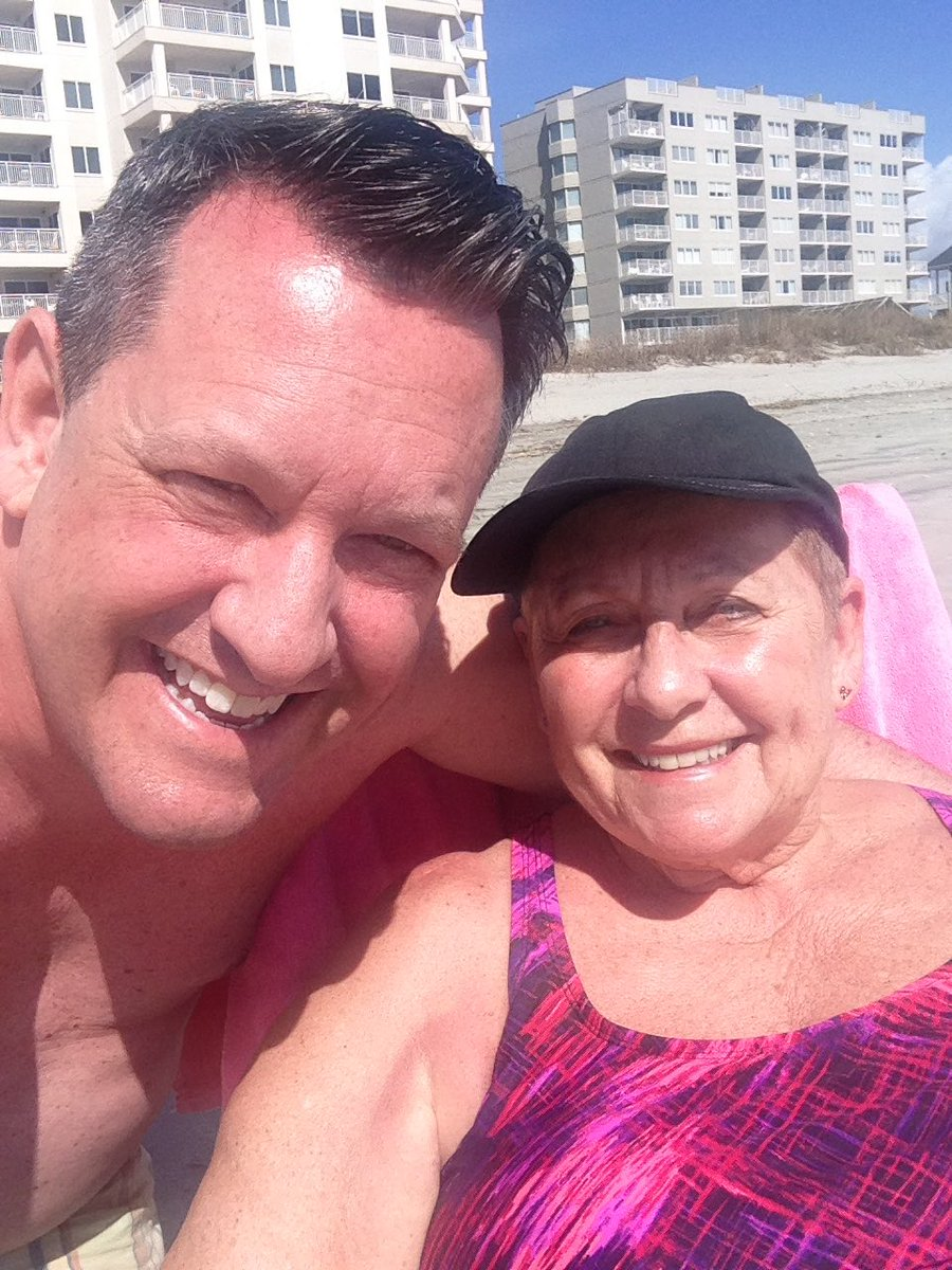 Last day, before heading home tomorrow, with Mom at the beach. Gorgeous 80 Fahrenheit/ 27 Celsius Weather! #TimewithMomandDad #FamilyDay2017