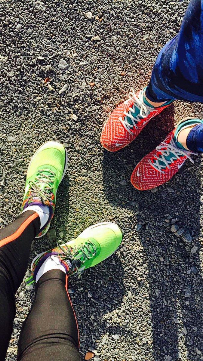 Footing de fin de journée @mel_briot #Running #sun <br>http://pic.twitter.com/R5XZmJJpKD