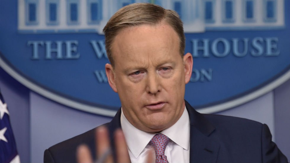 #BREAKING: White House hand-picks select media for briefing, leaves ou...