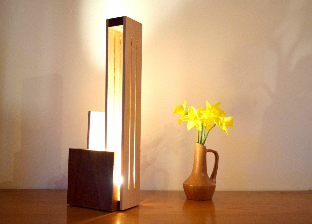 made in France, lampe éco responsable, bois massif récupéré, ampoules LED, finition huilée, conçue et fabriquée en France(PACA)#madeinfrance <br>http://pic.twitter.com/lJVMwQTuWp