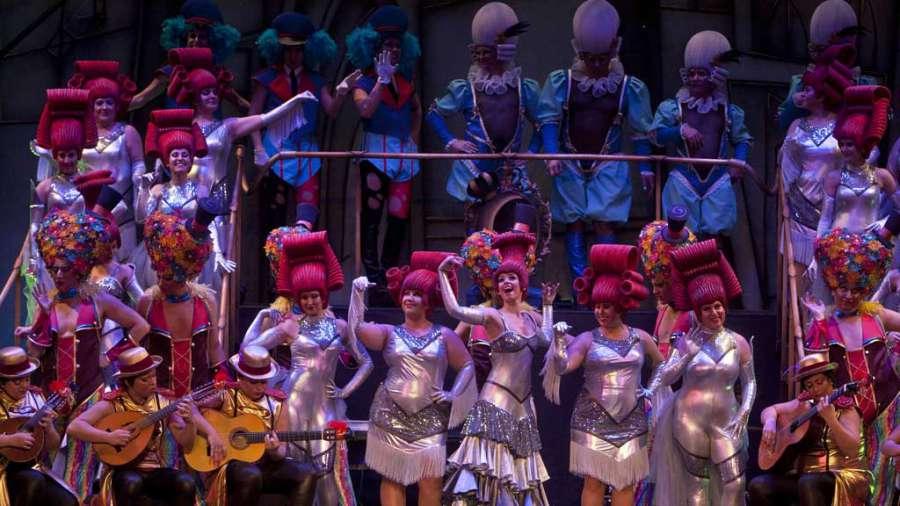 En #DIRECTO la final del concurso de los Carnavales de Cádiz, en @rne y @rtvees  http:// rtve.es/n/1494021  &nbsp;  <br>http://pic.twitter.com/lGPdag3nyt