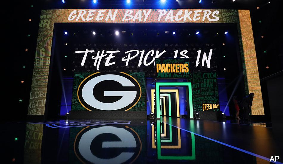 The #Packers have been awarded a compensatory selection in the 2017 #NFLDraft.  :  http:// pckrs.com/dts8  &nbsp;  <br>http://pic.twitter.com/X5ZH1e8LUV