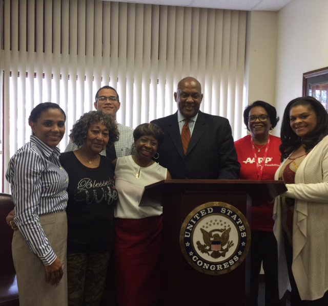 Thank you @RepDwightEvans for meeting with @AARPPA today to discuss #Medicare &amp; how important #NoAgeTax is for 50+ Pennsylvanian<br>http://pic.twitter.com/KE8DKpPbFD