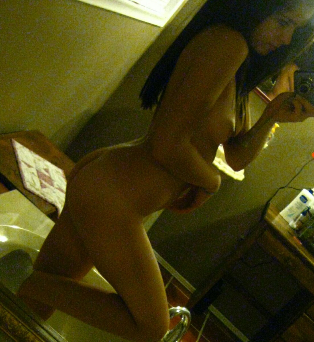Nude Selfie 10799