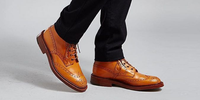Maintain your style standards with the footwear that's designed to cope with wet weather: https://t.co/LK7EtBhBtg https://t.co/1jYmkCb4I8