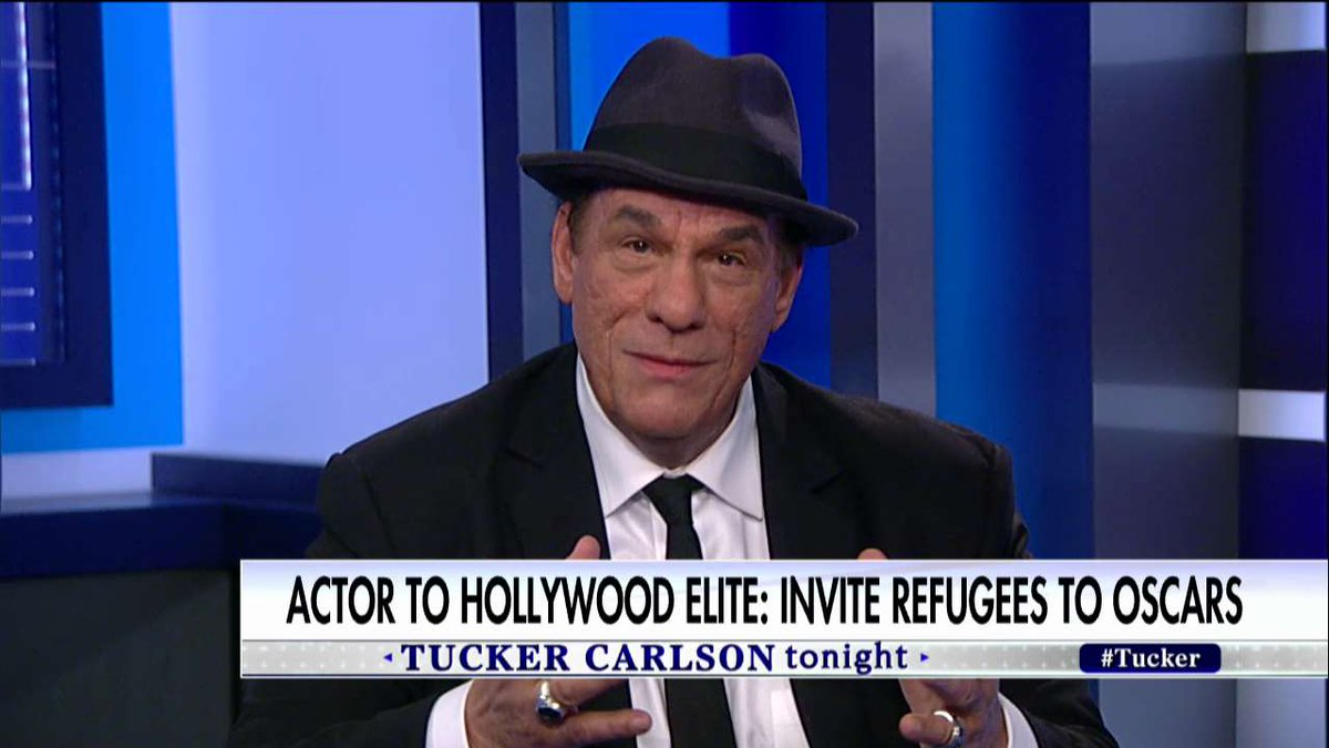 """.@RobertJohnDavi to migrants: """"Be [Oscar] guests of all the people that believe we should have a country of no law and no order.&quot; #Tucker <br>http://pic.twitter.com/7ZZnC6zRrr"""