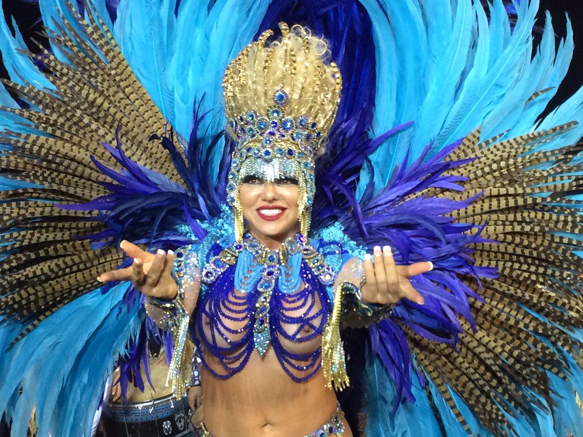 Andrea Capitulino, rainha de bateria da Acadêmicos do Tatuapé, está pr...