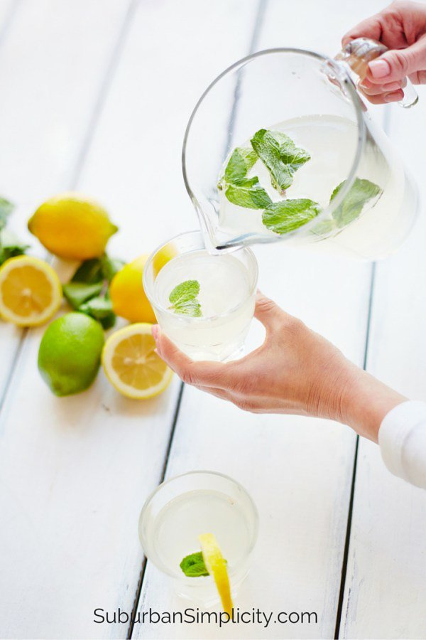 10 Reasons to Drink MORE Water... https://t.co/0xcvyp7sp2 #healthylivi...